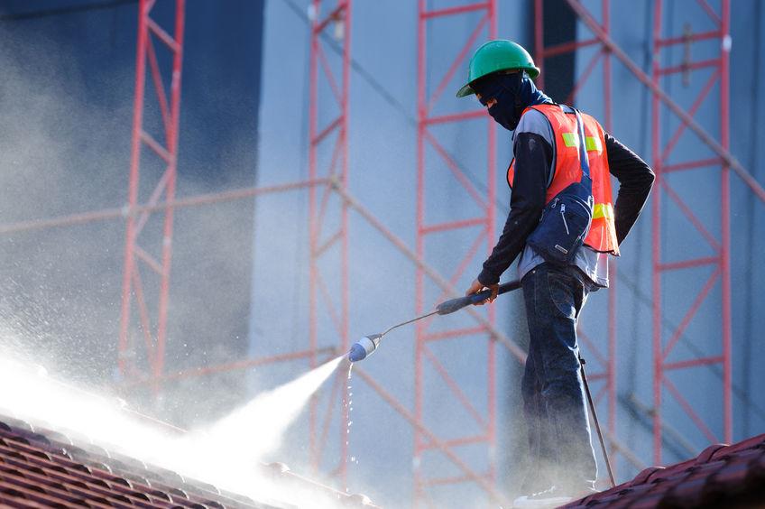 Blackwood Pressure Cleaning Man On Roof